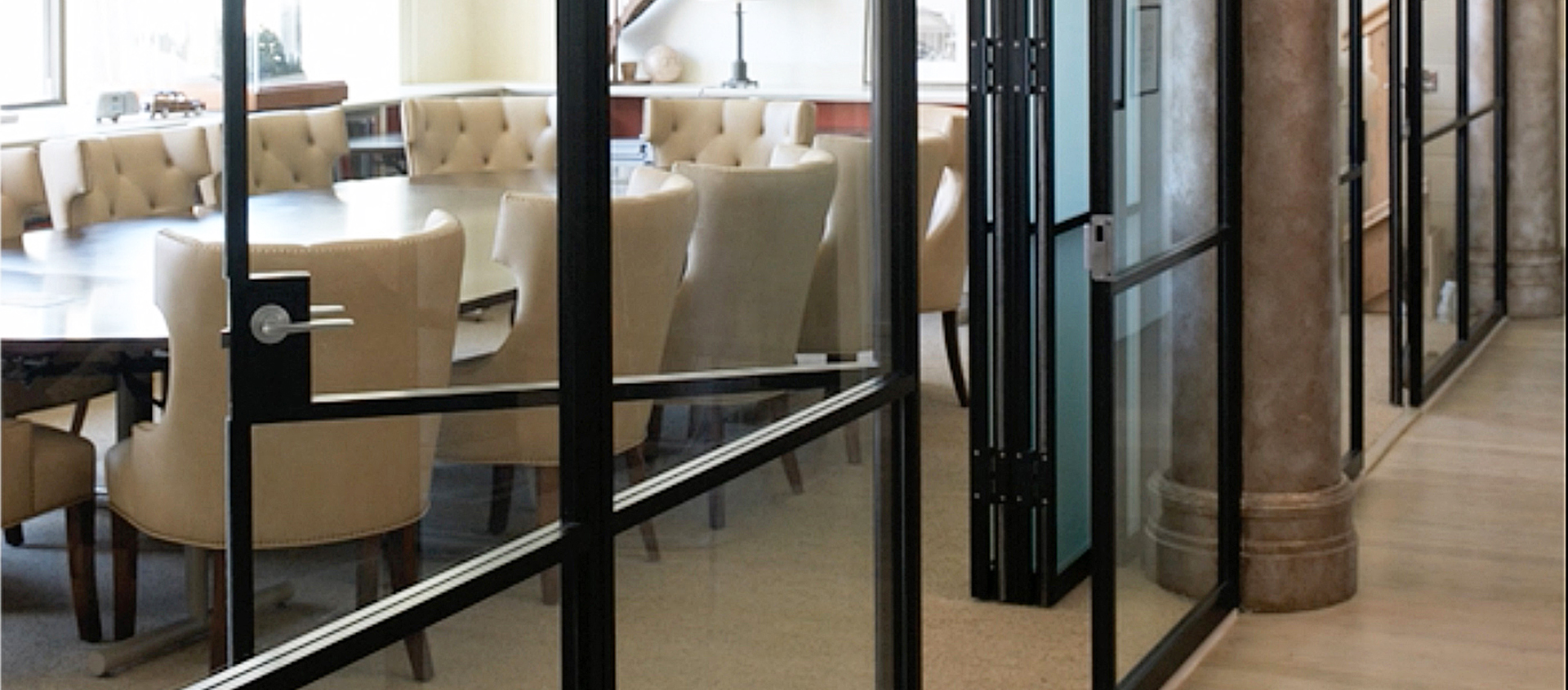 Glass wall systems by stylesglass modernfoldstyles for Retractable glass wall system