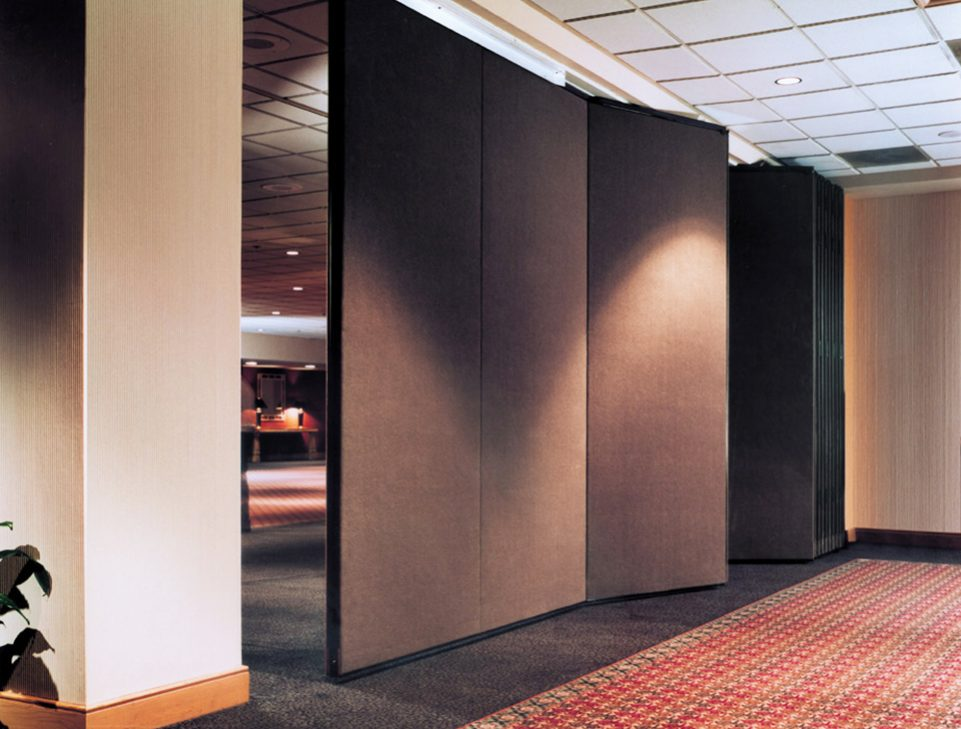 acousti-seall 933E continuously hinged panels