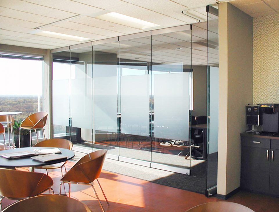 362 DRS moveable glass wall