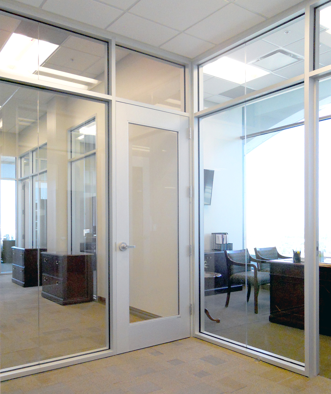 Glass wall systems by stylesglass modernfoldstyles for Glass walls