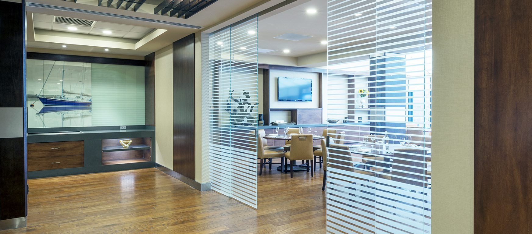 Klein Extendo Telescopic glass doors