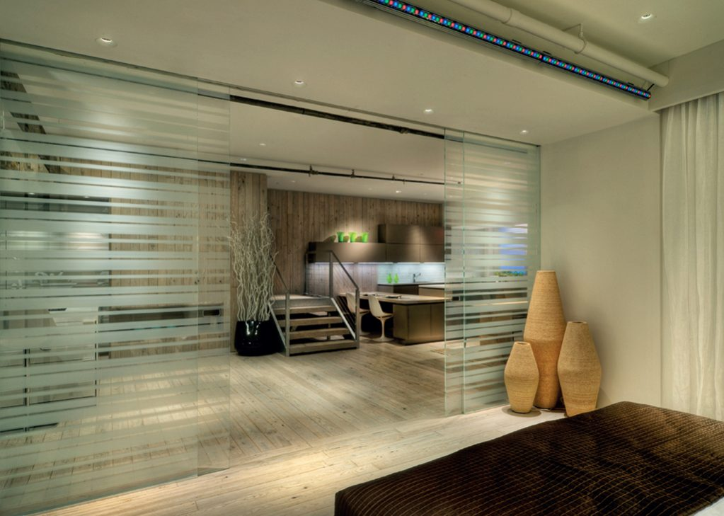 Klein Rolmatic biparting glass doors