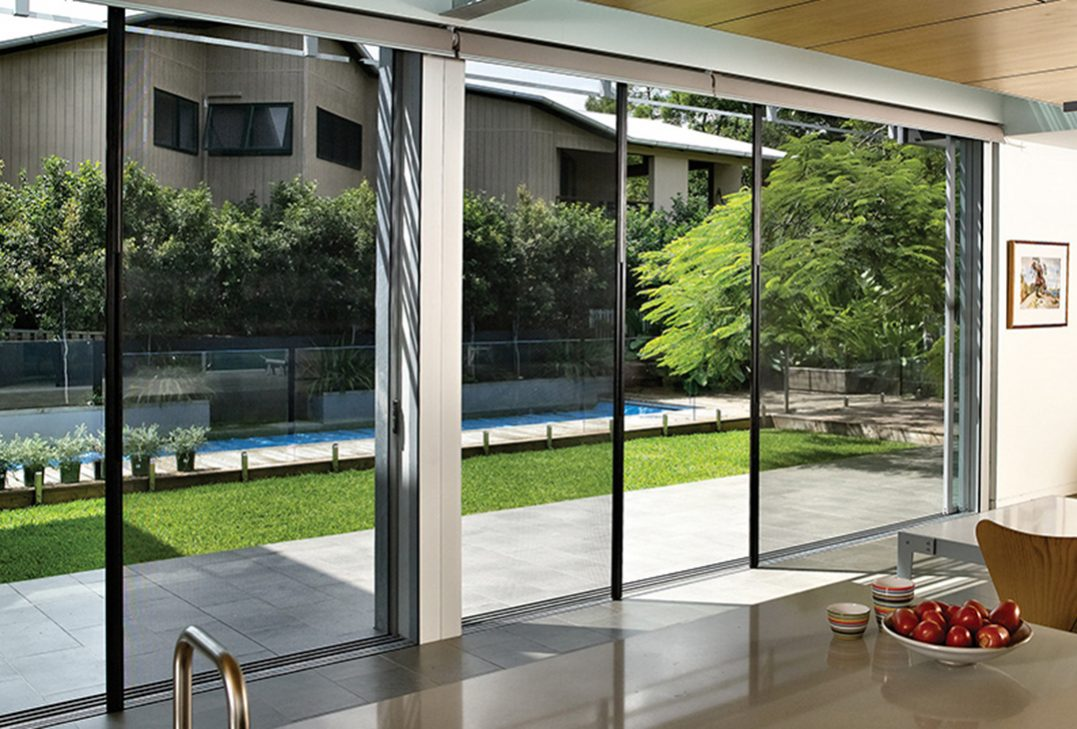LaCantina Non-Pleated Retractable Screen