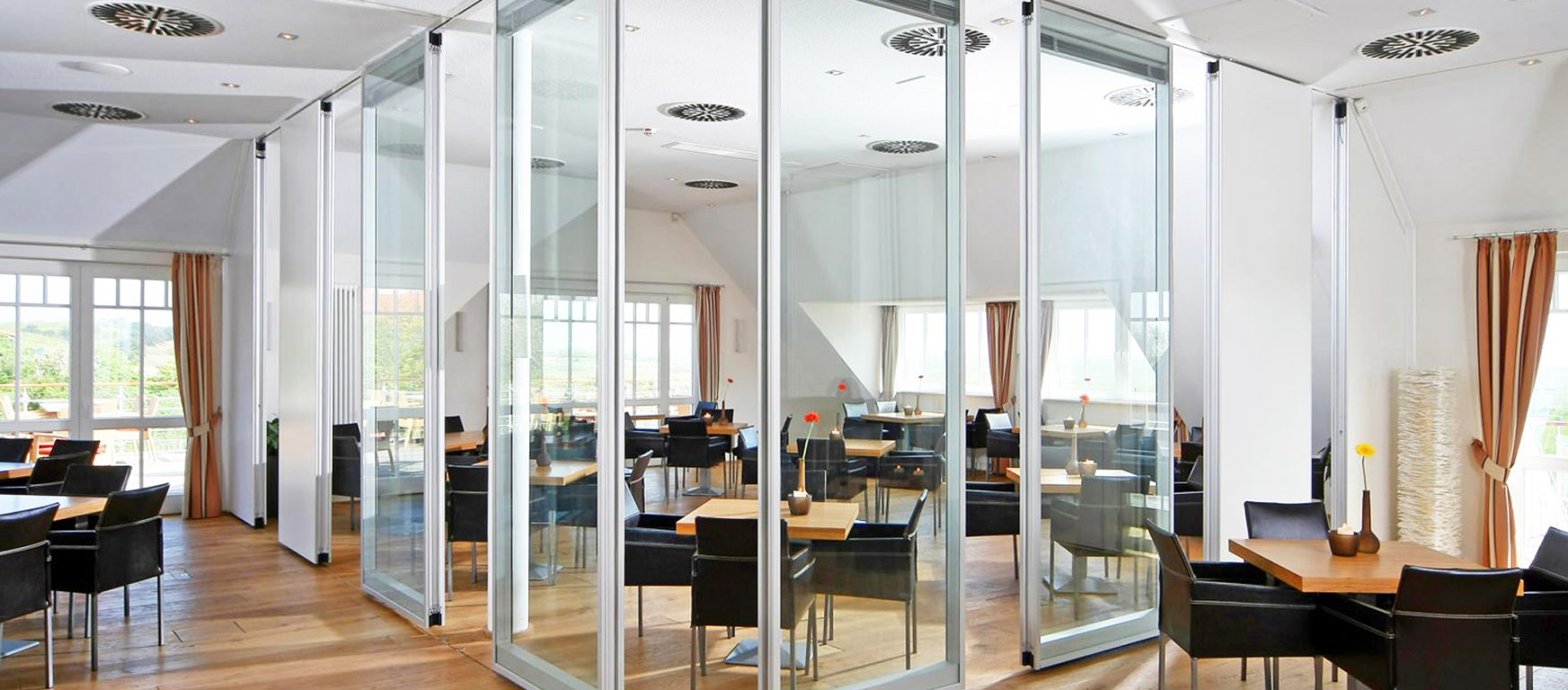 Modernfold Acousti-Clear Glass Panels automatic