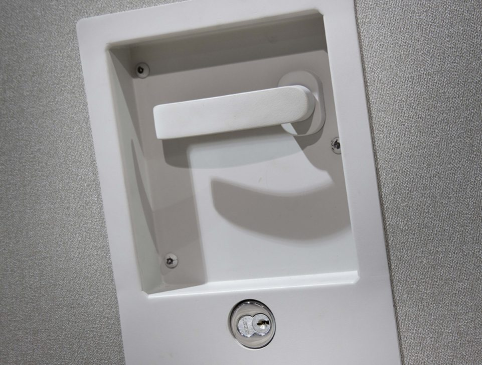 modernfold encore handle and lock