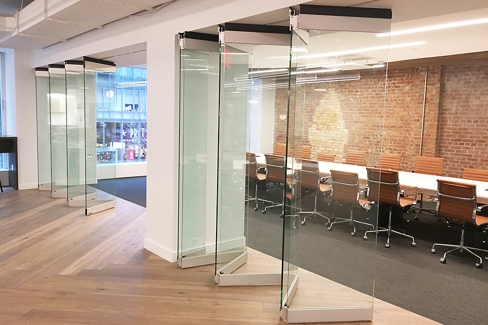 Case study silicon valley bank new offices in new york city modernfold folding sliding glass wall fsw c planetlyrics Choice Image