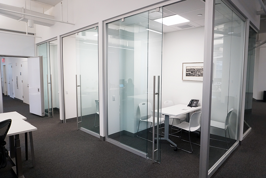 Sliding glass doors in Nordstrom Flagship Store Offices - Moodwall P2