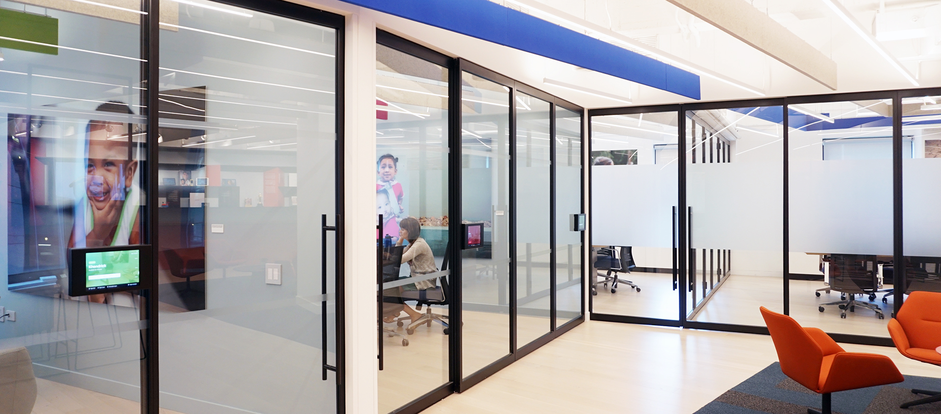 Glass Walls And Operable Partitions Horizontal And