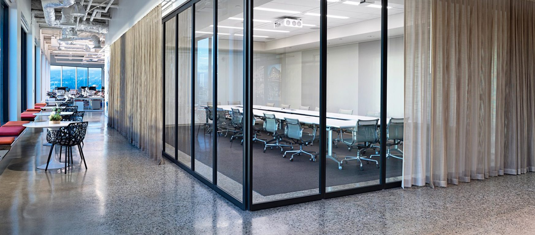 Pk 30 operable walls by modernfoldstyles for Sliding glass wall systems