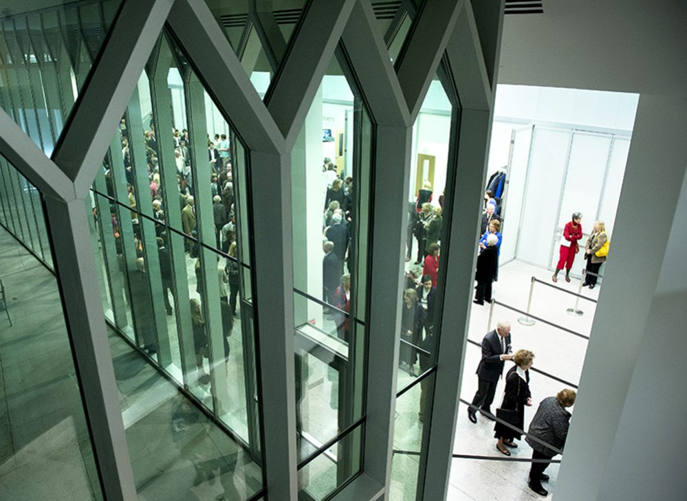 pk-30 sliding glass walls