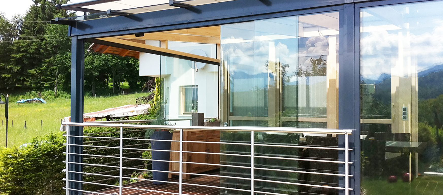 & SUNFLEX SF 20 All-Glass Multi-Track Sliding System by ModernfoldStyles
