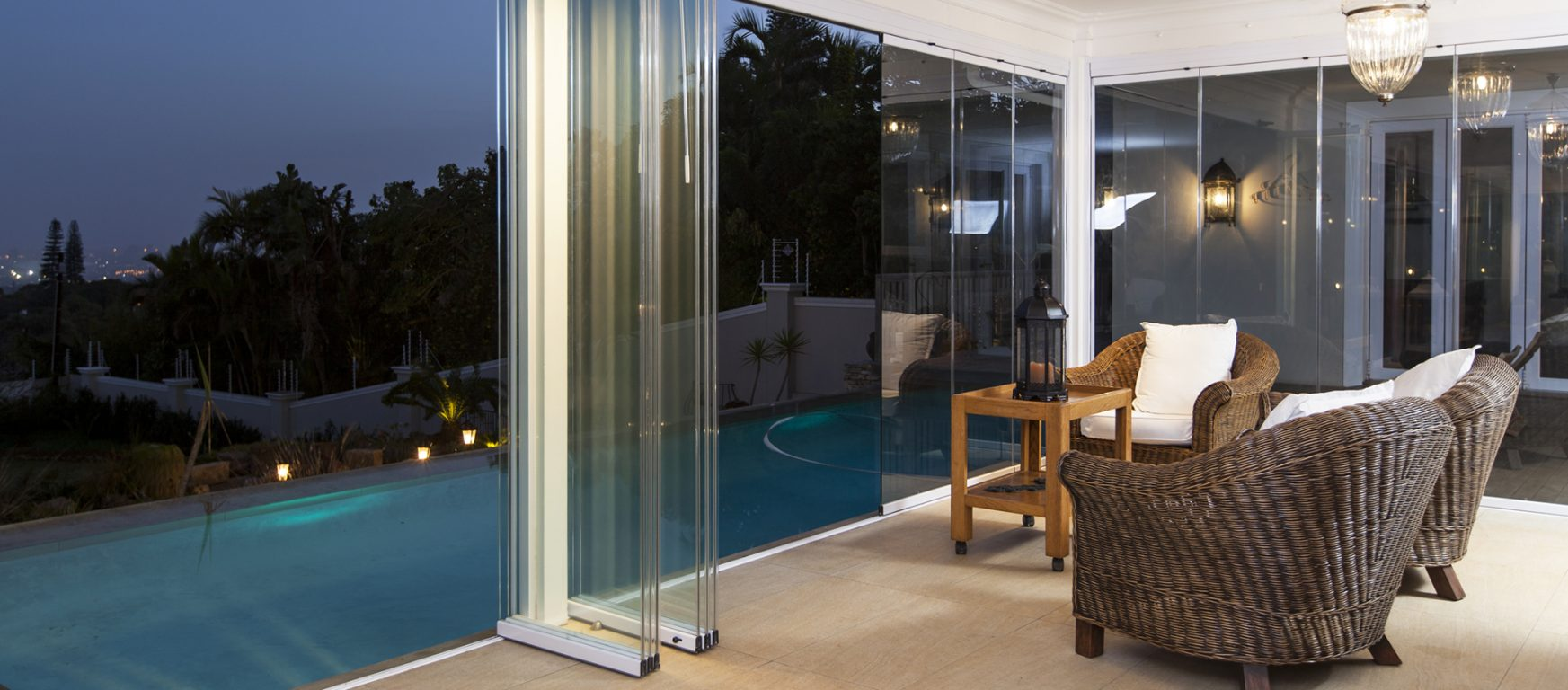Sunflex SF 25 sliding glass panels