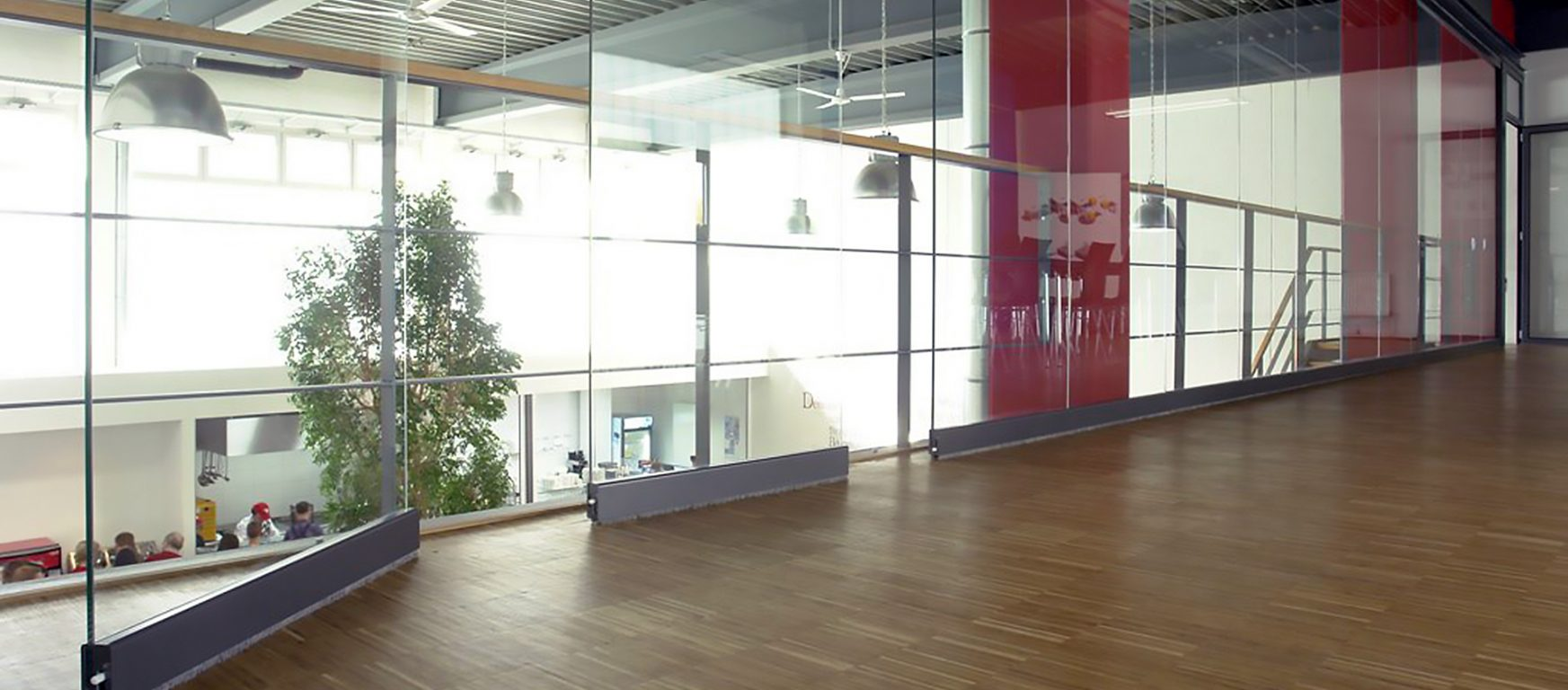 Sunflex SF40 HSW moveable glass panels